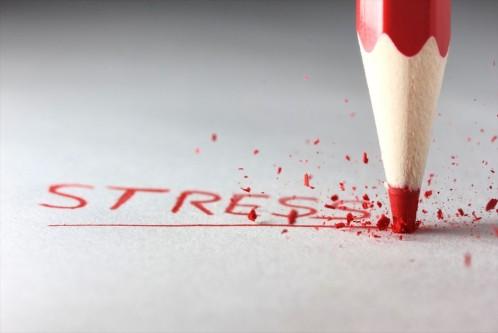 comment le stress affecte la santé et nous expose à des accidents cardiovasculaires